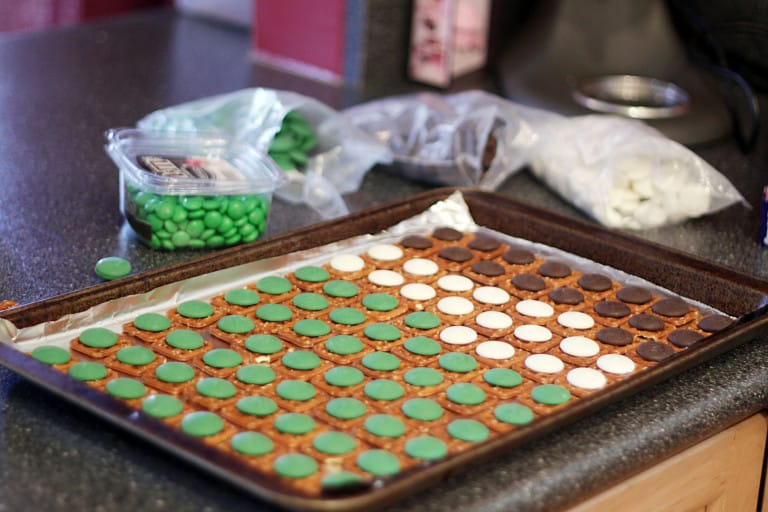 Easy chocolate covered pretzels recipes