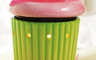 Cupcake-Scentsy-Warmer-July-Warmer-of-the-Month