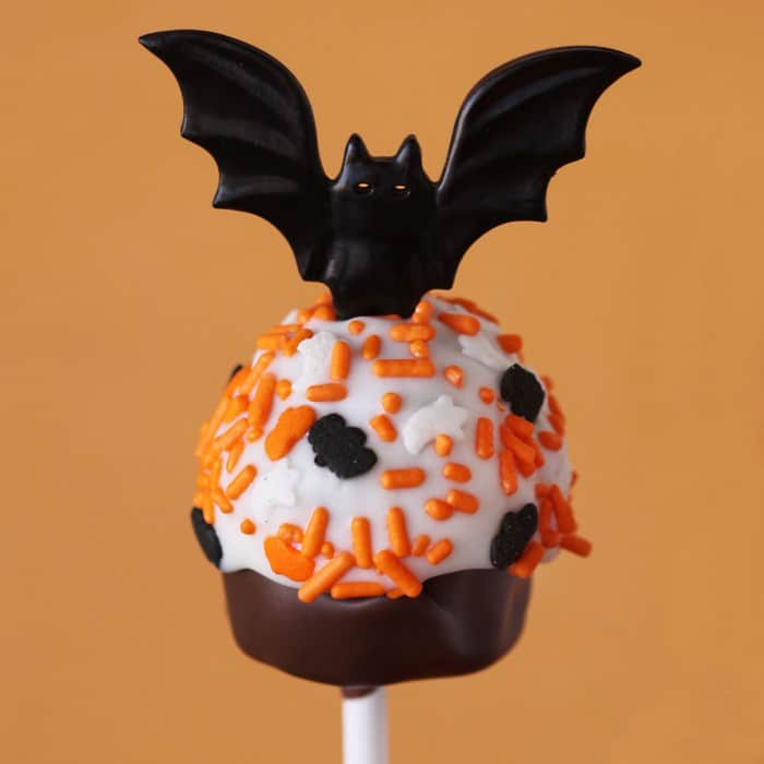 check out some other super cute halloween cupcake cake