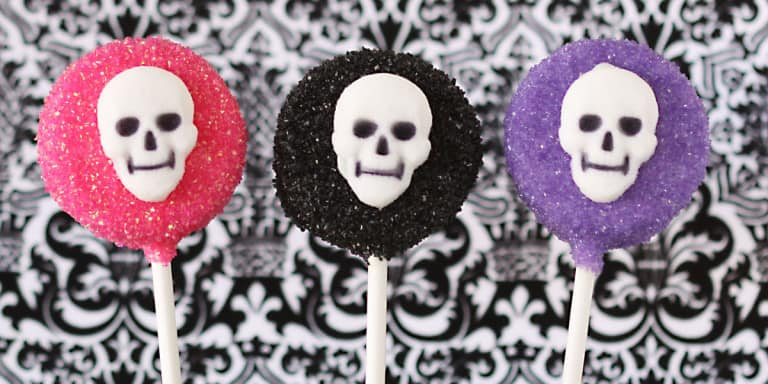 Chocolate Covered Oreo Pops For Halloween