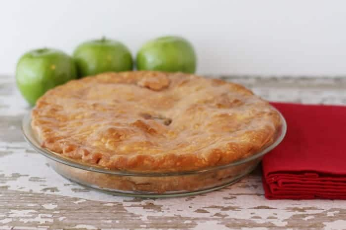 caramel-apple-pie-recipe-700x466