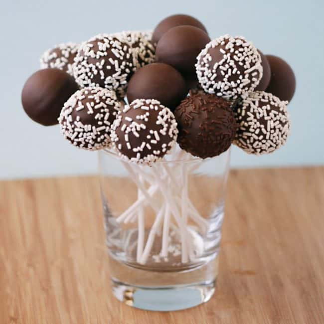 Christmas Cake Pops Easy