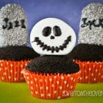 Halloween Graveyard Cupcakes Made With Cakesicles