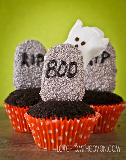 Halloween Graveyard Cupcakes Made With Cakesicles - Love From The Oven