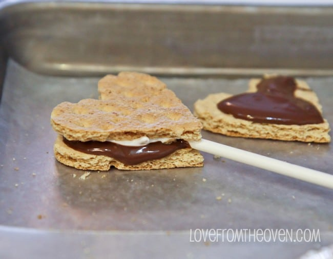 S'mores Pops by Love From The Oven
