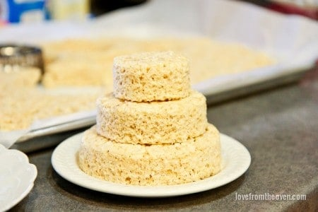 Rice Krispies Treats Mini Cakes_-7