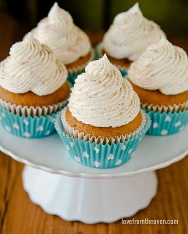 Pumpkin Cupcakes With Cinnamon Sugar Cream Cheese Frosting