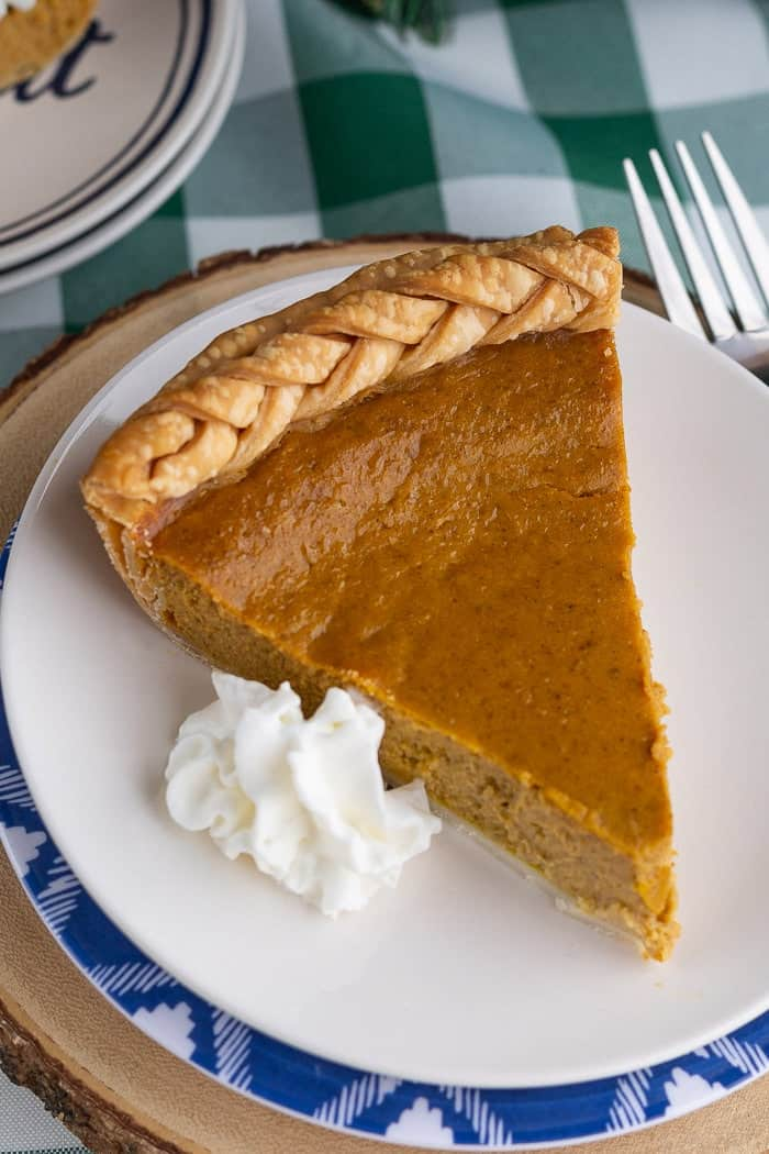 Easy Pumpkin Pie Recipe • Love From The Oven