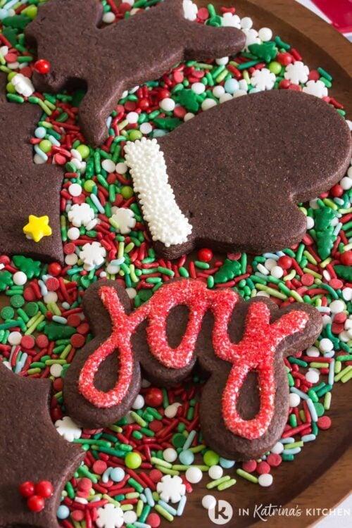 chocolate-sugar-cookies-on-sprinkles