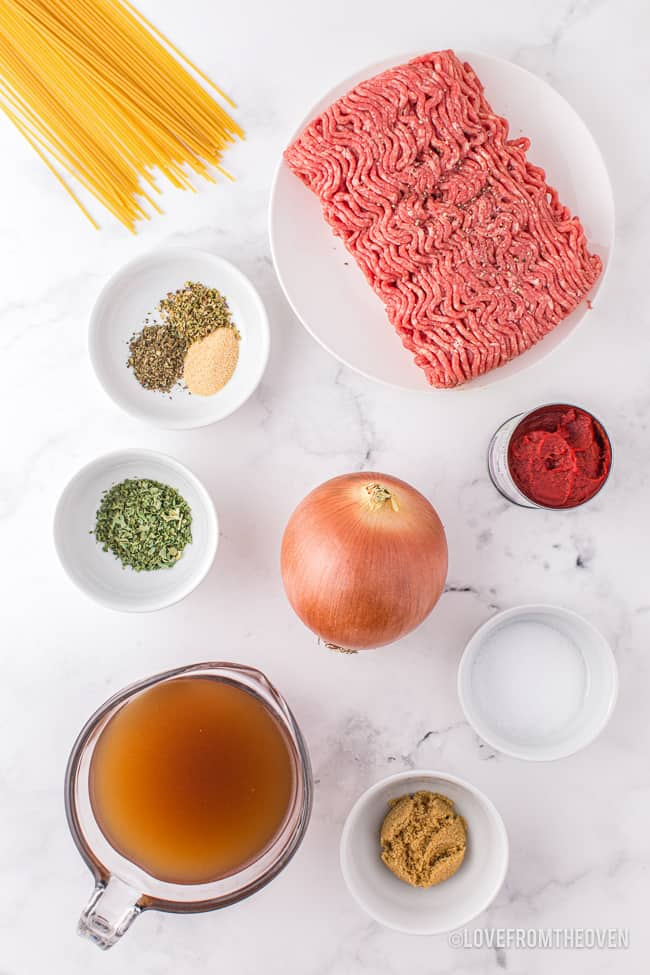 Ingredients to make homemade spaghetti sauce