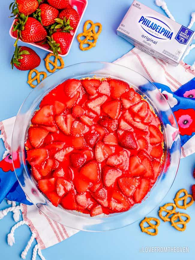 a strawberry pretzel salad pie