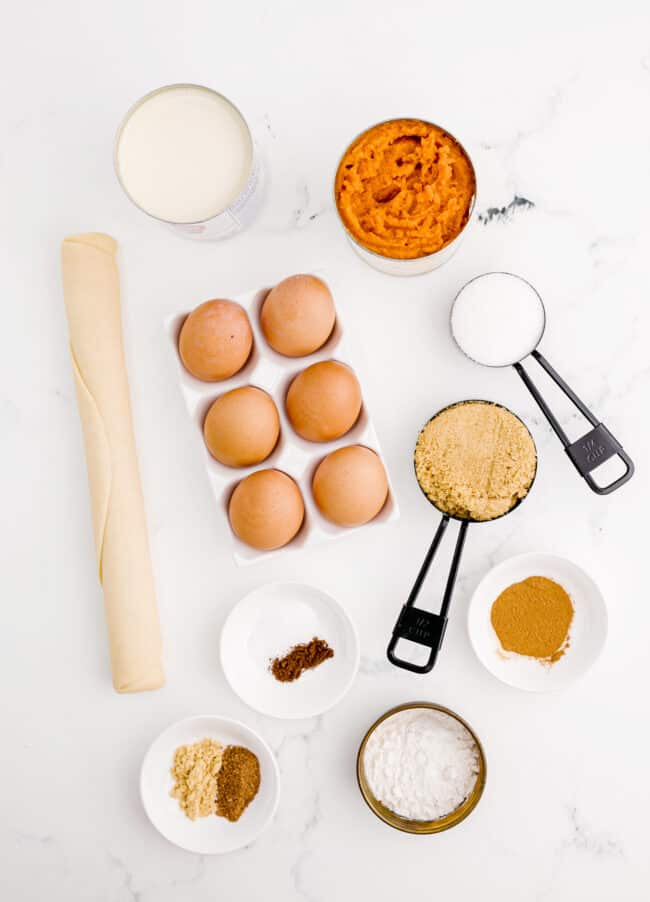 Ingredients needed to make pumpkin pie.