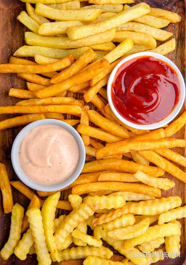 A platter full of french fries made in the air fryer.
