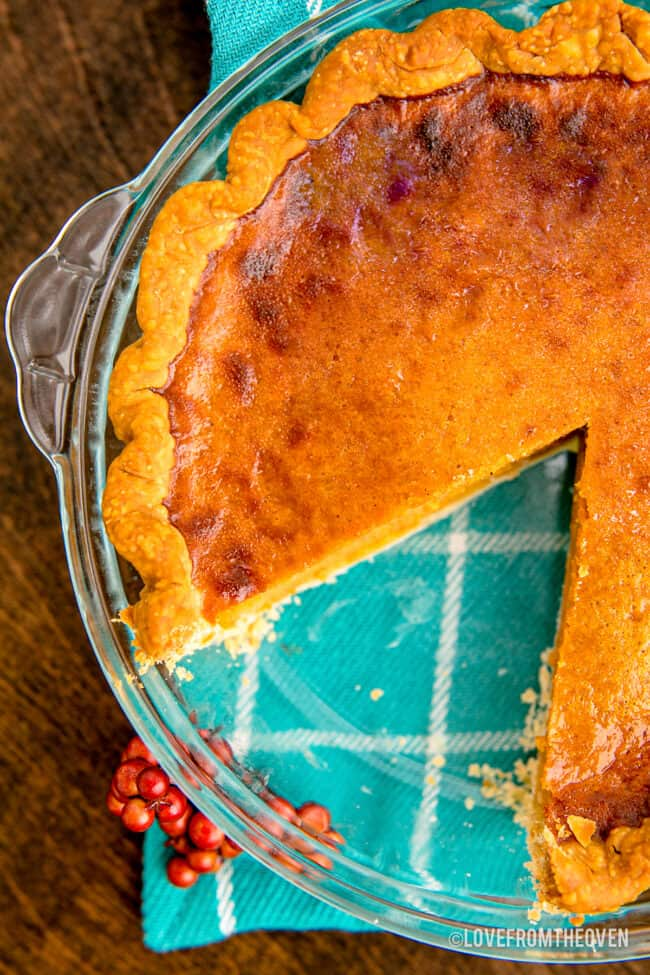 An overhead photo of pumpkin pie.