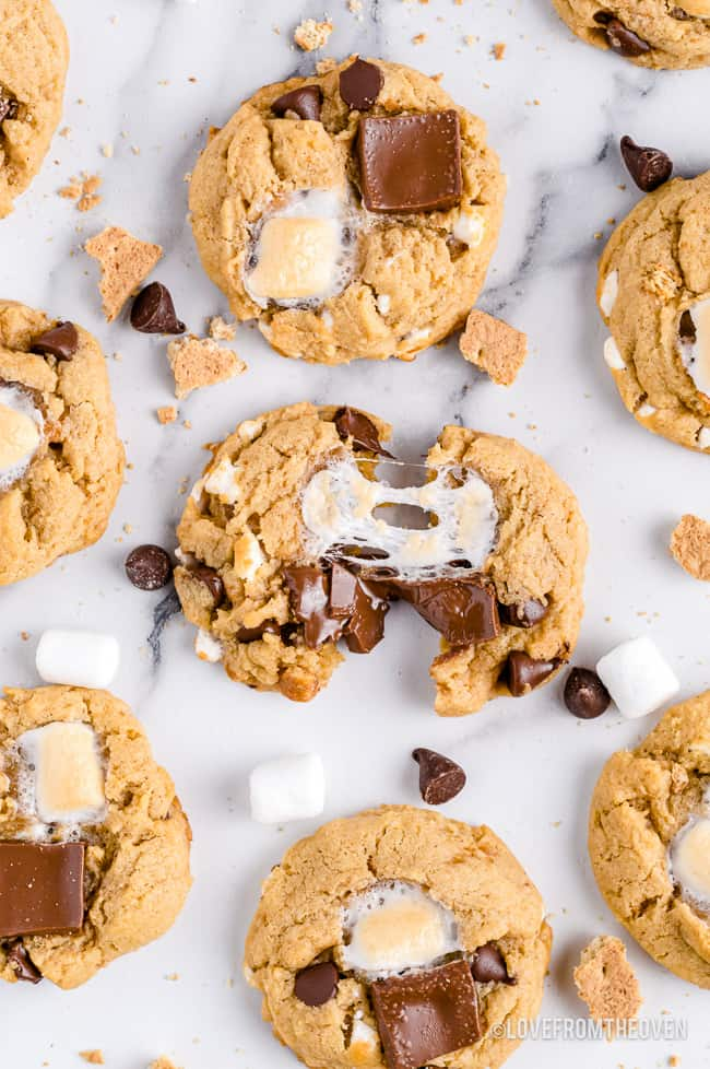 A photo of smores cookies