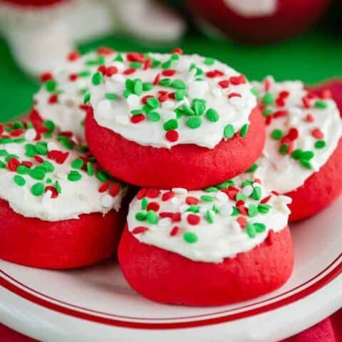 A plate of christmas cookies.